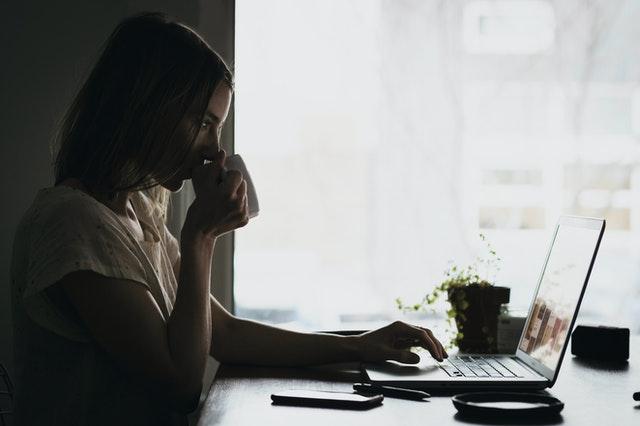 slow business, slow biznes, czym jest slow biznes, na czym polega slow biznes, work life balance, równowaga w pracy, jak lepiej pracować,