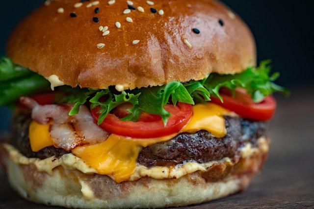 fast food, niezdrowe jedzenie, jak jeść fast foody, zdrowy fast food, zdrowszy fast food,