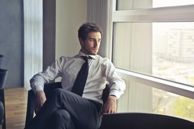 męska sylwetka, typy sylwetek u mężczyzn, jak dobrać strój do sylwetki, ubranie do męskiej sylwetki, jak się ubierać, jak ukryć mankamenty strojem,
