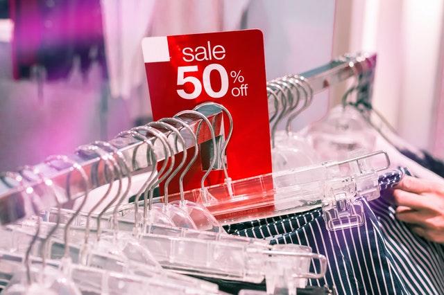 zakupoholizm, problem z robieniem zakupów, impulsywne zakupy, kompulsywne zakupy, zakupy jako poprawa nastroju, jak poradzićsobie z zakuopholizmem, konsekwencje zakupoholizmu