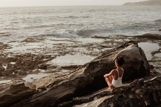 poczucie własnej wartości, wysoka samoocena, niska samoocena, jak walczyć z niską samooceną, jak podwyższyć swoją wartość, jak przestać mieć niską samoocenę, własna wartość jak ją podnieść