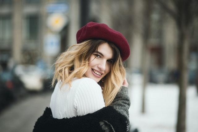 styl paryżanek, styl francuzek, paryski styl, paryska moda, moda francuzek, moda paryżanek, garderoba paryżąnek, jak naśladować francuski styl, jak naśladować paryską modę,