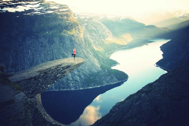 mindfullness, czym jest mindfulness, korzyści mindfulness, zalety mindfulness, jak żyć świadomie, zwiększona uważność, jak być uważnym,