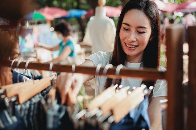 impulsywne zakupy, zakupy bez przemyślenia, jak walczyć z impulsywnymi zakupami, jak radzićsobie z robieniem zakupów,